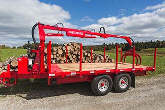 remorque à bois - log trailer - remorque forestière avec chargeuse à bois - machinerie forestière