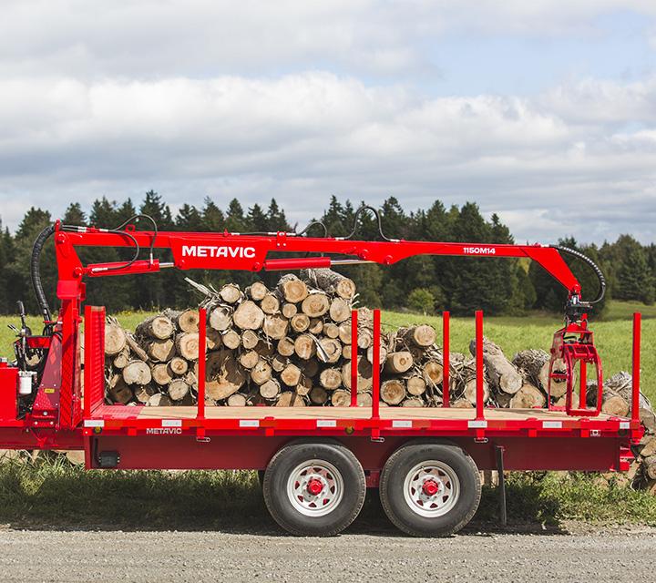 remorque forestière pour camion avec chargeuse à bois - log trailer - équipement forestier